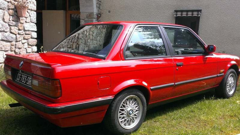 bmw e30 318is rouge anciennes forum collections. Black Bedroom Furniture Sets. Home Design Ideas