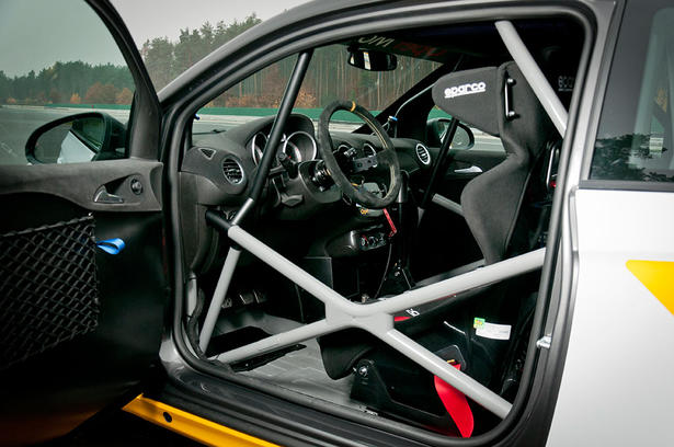 Sendrogne tout le opel adam for Opel astra f interieur