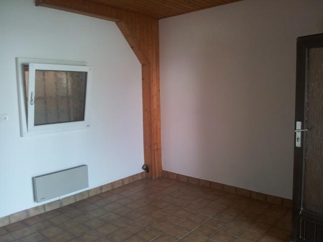 appartement complet am nager avec terrasse moderniser cuisine et sdb. Black Bedroom Furniture Sets. Home Design Ideas
