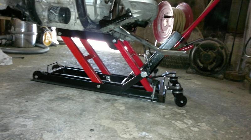 cheap de garage et votre cadre moto pour ne pas acheter le mauvais lve bcane qui ne passera pas. Black Bedroom Furniture Sets. Home Design Ideas