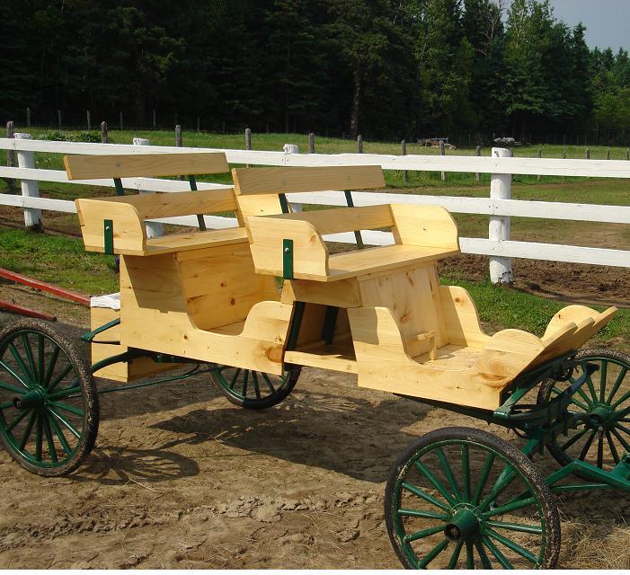 voiture a cheval 4 places vendues. Black Bedroom Furniture Sets. Home Design Ideas