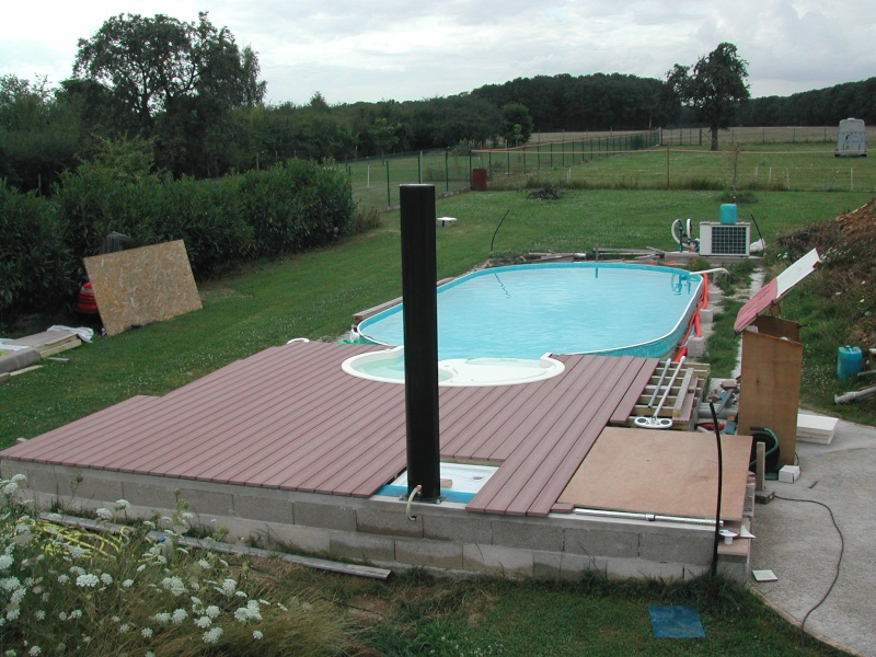 Terrasse bois ou composite quelles marques piscines for Piscine bois composite