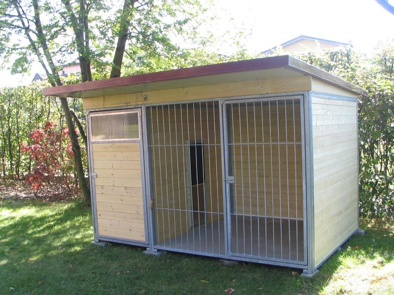Casa moderna roma italy costruire un box per cani - Recinti in legno da giardino ...