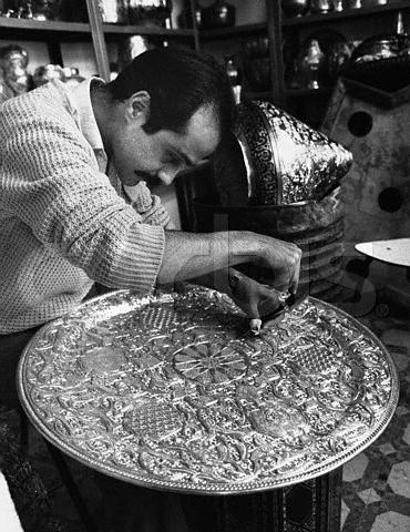 من تقاليدنا الجزائرية ..حرفة النحاس per10.jpg