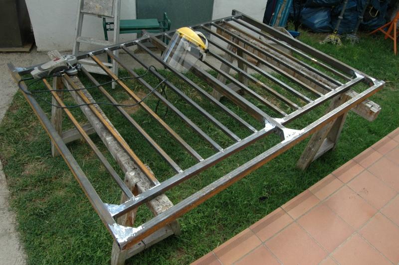 R alisation une barri re de piscine en ferronnerie for Reduire profondeur piscine beton
