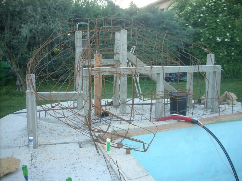 Projet construction faux rocher avec cascade pour piscine besoin de conseille for Piscine cascade toboggan