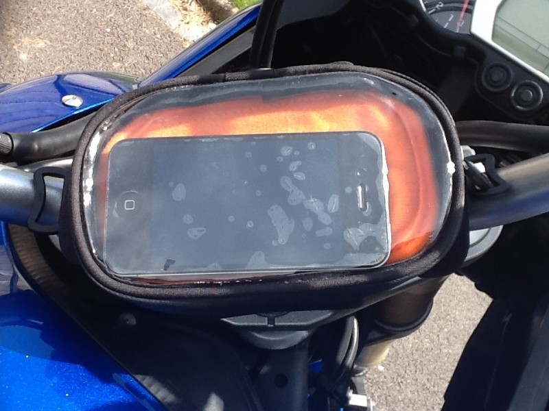 Support support et housse iphone ou smarthone for Housse moto dafy