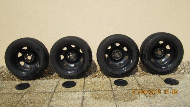 vendues vends 4 jantes 4 pneus pour facelift de 2011 vendues. Black Bedroom Furniture Sets. Home Design Ideas