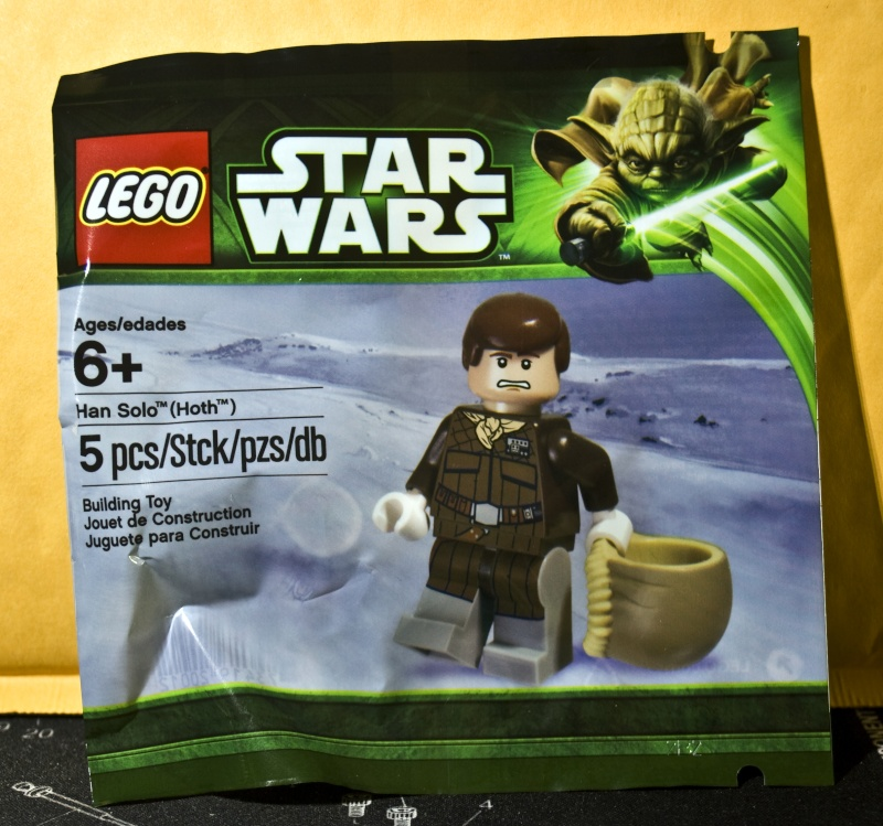 Han Solo May The Fourth Be With You: Pictorial Review: Han Solo (Hoth) May 4th Promo Minifig